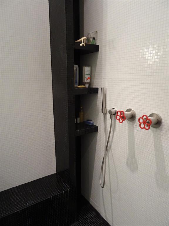 Image Coin douche avec banc sur mesure