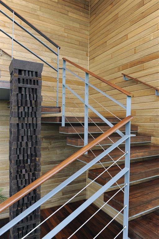 escalier suspendu sophie bannwart photo n 07 domozoom. Black Bedroom Furniture Sets. Home Design Ideas