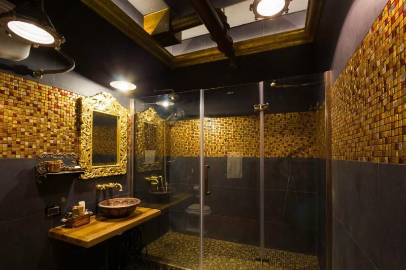 Mur gris fonc et mosa que dor e pour un look majestueux et contrast - Mosaique doree ...