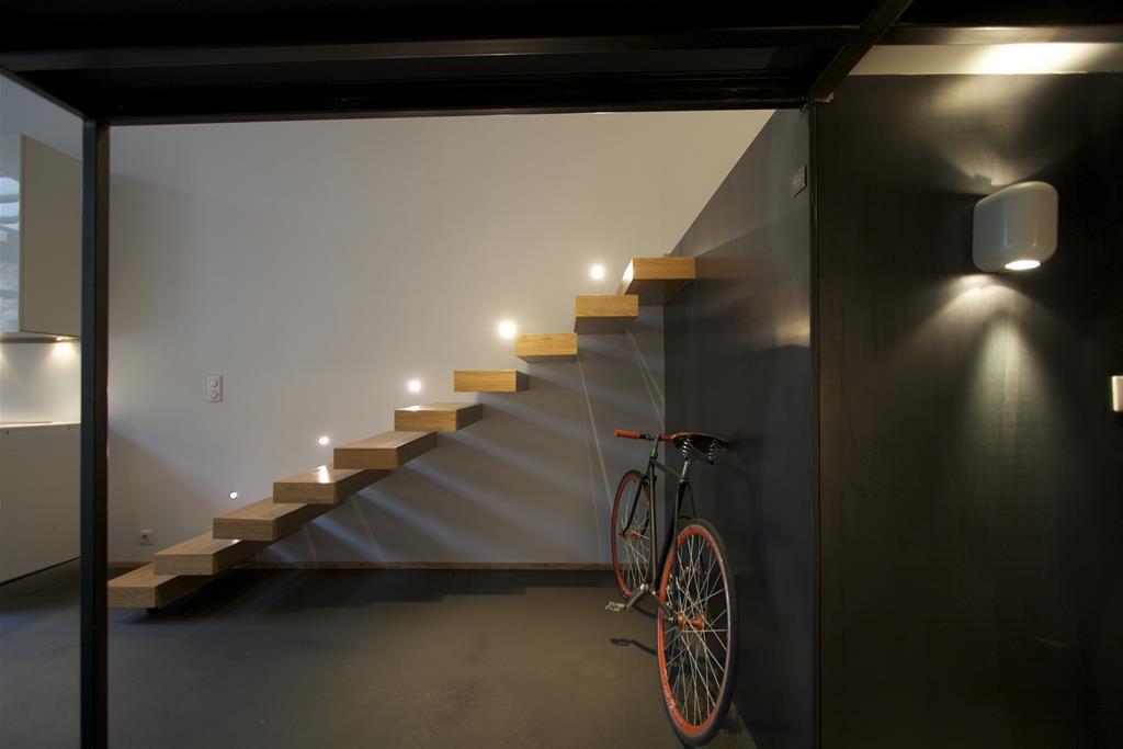 Image Escalier design encastré newhomeagency