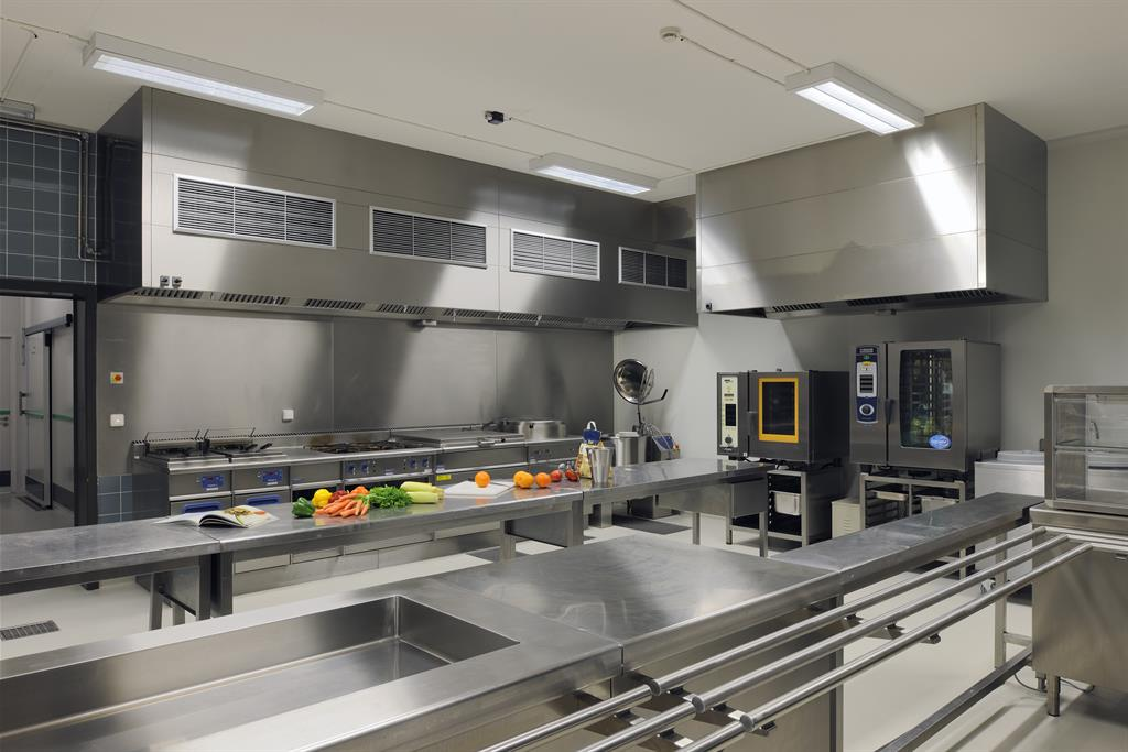 Grande cuisine de professionnel dewil architectes photo n 80 - Amenagement cuisine professionnelle ...