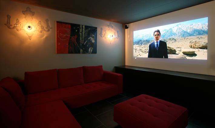 Les meilleures fa ons d 39 am nager un coin t l une salle for Meuble tv grand ecran