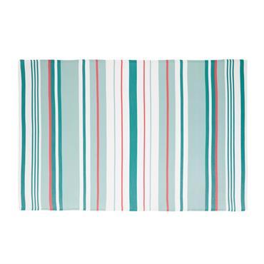 Sortez de l'ordinaire avec le tapis d'extérieur motifs rayures PALOMA . Revêtu d'un joli motif à rayures de différentes tailles et de couleurs vives, il sera parfait pour sublimer votre ...