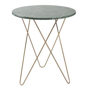 MODERNE CHIC Succombez à l'allure infiniment sophistiquée du bout de canapé en marbre vert et métal doré ODYSSÉE, dont les lignes minimalistes s'intégreront parfaitement dans un intérieur contemporain. LE COMBO ...