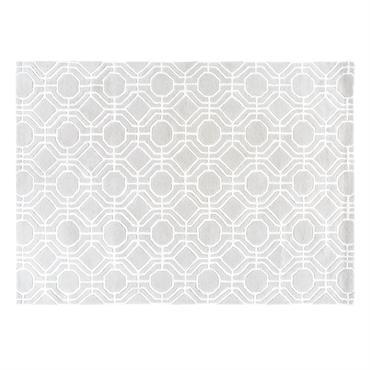 De l'élégance en voulez-vous ? En voilà avec le tapis gris motifs graphiques 140x200 TWENTIES ! On craque pour son revêtement doux, sa teinte chic et ses motifs graphiques qui ...
