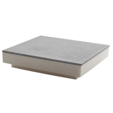 Table basse Serralunga design Ivoire,Ardoise en Matière plastique. Dimensions : L 94 cm x l 94 cm x H 21 cm. Pour faire de vos espaces extérieurs de véritables pièces ...