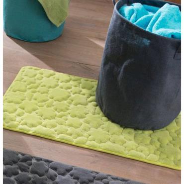 100% polyester Lavable à 30° Entretien facile, mousse à mémoire de forme bien épaisse 1,5cm. Motifs reliéfés nuage, dos antidérapant. Poids molleton 260 g/m². Traitement anti moisissures* Tapis de bain ...