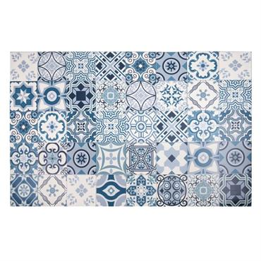 Autrefois réservés aux grandes maisons bourgeoises, les carreaux de ciment ont décidé de faire peau neuve et s'invitent désormais dans nos intérieurs ! Craquez pour le tapis en vinyle motifs ...