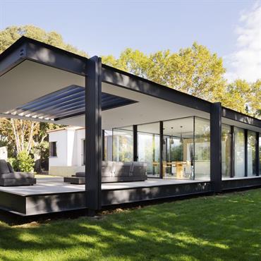 La typologie compacte et opaque des maisons de la maison originelle ne profitait pas de la qualité paysagère qu'offre la ... Domozoom