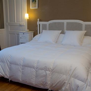 Chambres taupe id e d coration chambres taupe et am nagement domozoom - Couette oie ou canard ...
