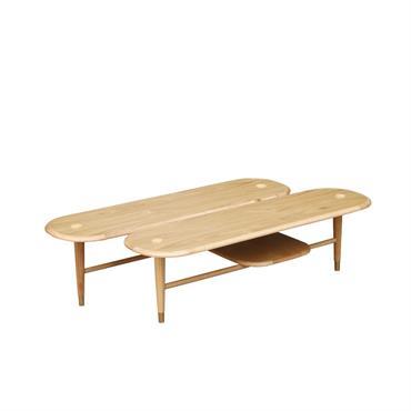 Table basse  en chêne et pieds laiton