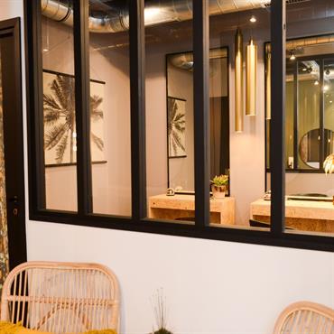 Le Petit David - Montmartre Bohème David a sollicité l'aide de Mamahome pour transformer un ancien atelier de tapissier en salon ... Domozoom