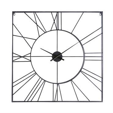 Découvrez la tendance filaire à travers l' horloge carrée en métal noir ERNEST . Graphique et aérienne, elle habillera les murs de votre salon sans les alourdir. L'avantage de cette ...