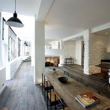 Date : 2008 Surface : 140 m² Adresse : Montmartre, Paris XVII Objet : Création verrière et architecture intérieure  C'est dans une maison à ... Domozoom