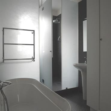 Vue de la salle de bain,