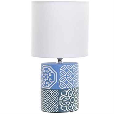 Petite Lampe en faïence carreaux de ciment 31 cm En faïence et polyester Hauteur 31 cm - Diamètre abat-jour 16 cm Fonctionne sur secteur, prise Européenne Ampoule non incluse : ...