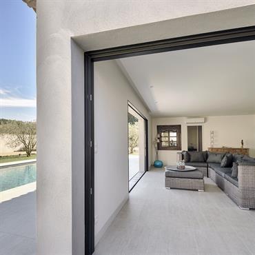 Pool-House traité comme un pièce à vivre