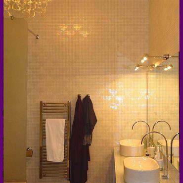 Vous trouverez dans ce dossier des salles de bains que j'ai réalisé toujours dans un style contemporain  Domozoom