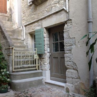 Réhabilitation d'une maison de village XVIème siècle en secteur sauvegardé (30)  Domozoom