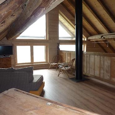 Rénovation d'un vieux chalet d'alpage : Reconstruction de la charpente et de la toiture de ce  Chalet en madriers. ... Domozoom