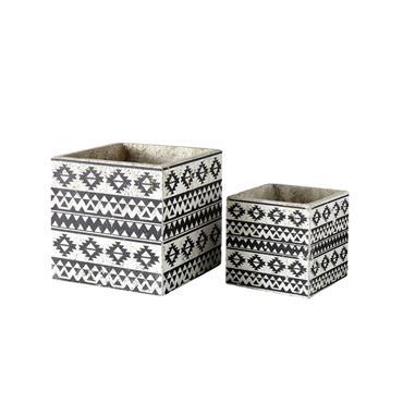 2 cache-pots en ciment motifs ethniques