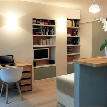 Dans une toute petite surface de 20m2, l'architecte d'intérieur Karine Perez conçoit un studio moderne qui paraît bien plus spacieux ... Domozoom