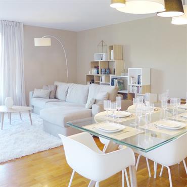 Un appartement d'environ 100 m² aux abords de Lyon (Caluire-et-Cuire). Un style éclectique, un univers différent et personnalisé pour chaque ... Domozoom