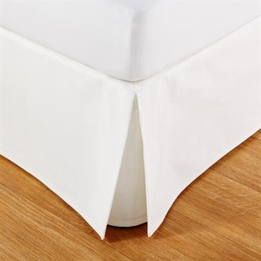 Pour finaliser la déco de votre chambre, craquez pour le cache-sommier 140X190 en coton ivoire MORPHEE . Idéal pour sublimer votre lit en un clin d'il, il apportera une touche ...