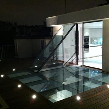 Réhabilitation complète d'un appartement avec aménagement du toit terrasse et création d'une extension  Domozoom