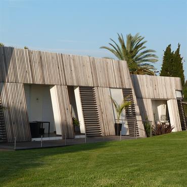 Programme : Transformation d'un centre de Thalassothérapie en 4 Maisons à Patios Lieu : La Londe Les Maures Maître d'ouvrage : Altarea ... Domozoom