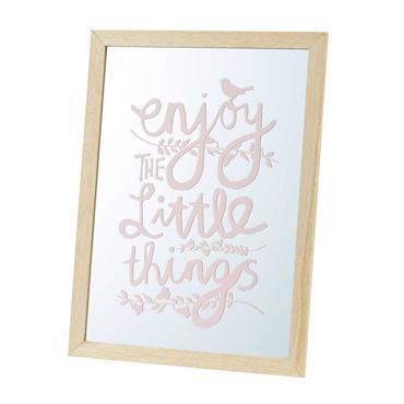 MIROIR, MON BEAU MIROIR ! Agrémentez la chambre de votre fille de détails originaux et girly, en adoptant le miroir imprimé rose BIRDY . UN LOOK ANTI-MOROSITÉ Bonne humeur garantie ...