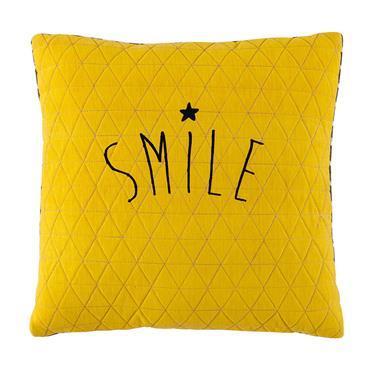 D'un jaune vif, ce coussin en coton ajoutera une belle note de couleur dans une chambre d'enfant. Animé par un motif gris et blanc au dos, ce coussin jaune finalisera ...