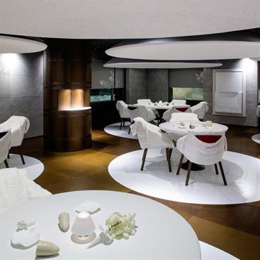 Sol en cuir salle de restaurant  Domozoom