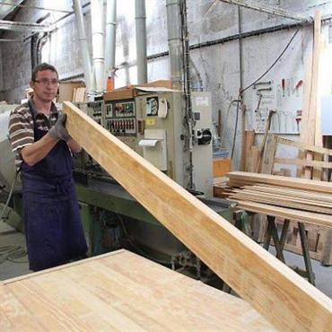 Nous fabriquons nos meubles à la commande dans notre usine de Vendée, à partir de bois issu de forêts françaises ... Domozoom