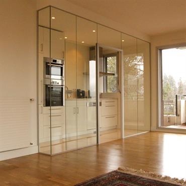 Grand appartement T2 transformé en T3. Création d'une chambre dans la cuisine existante. La nouvelle cuisine est installée dans la ... Domozoom