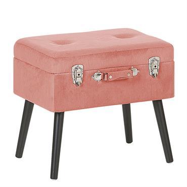 Petit tabouret valise en velours côtelé rose. Ce petit tabouret inspiré du design vintage mettra parfaitement en valeur votre intérieur. Recouvert de velours côtelé rose, ce tabouret est doté de ...