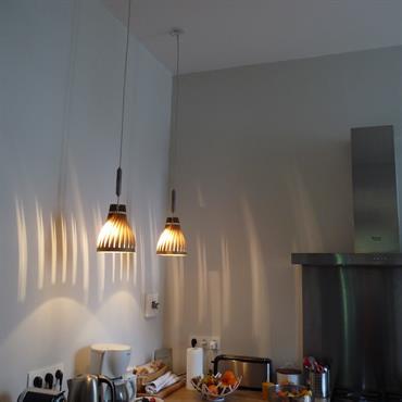 2 Volupte 16 éclairent le plan de travail avec une lumière vivante