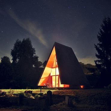 Ce projet, dans un petit village de Savoie, a été conçu pour un joueur de flûte qui souhaitait un grand ... Domozoom