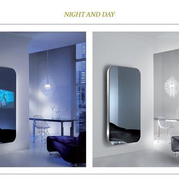 Miroirs avec écrans TV intégrés.  Domozoom