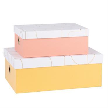 Boîtes en carton et papier rose et jaune