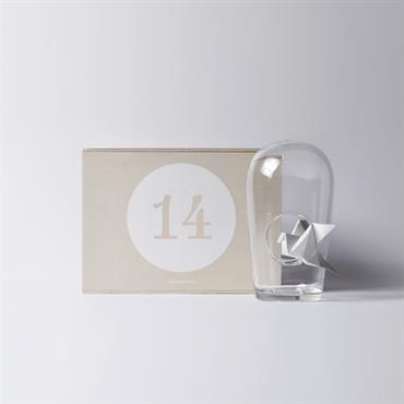 La Designerbox #14 : 'Humo', le cendrier imaginé par le Studio Nocc pour Designerbox. Disponible ici : http://bit.ly/1fh0nC9   Domozoom