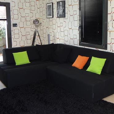 Réalisé dans la continuité du projet Ultra Design à Angers, ce salon télé se la joue en Technicolor. Ici le ... Domozoom