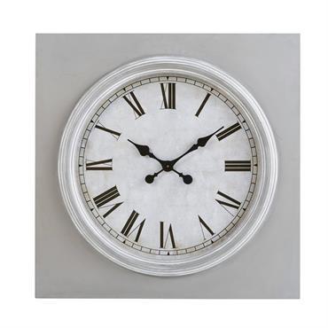 Horloge grise et blanche