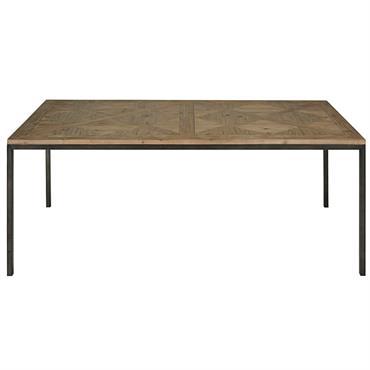UN ESPRIT RAFFINÉ Avec sa silhouette tout en finesse, prenez place autour de cette table en pin recyclé et métal noir SIMEON classique chic. UN STYLE CHARMANT Le charme de ...