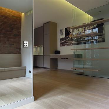 Pour cette maison de ville du quartier de la Bastille, nous avons entrepris une rénovation radicale pour obtenir des espaces ... Domozoom