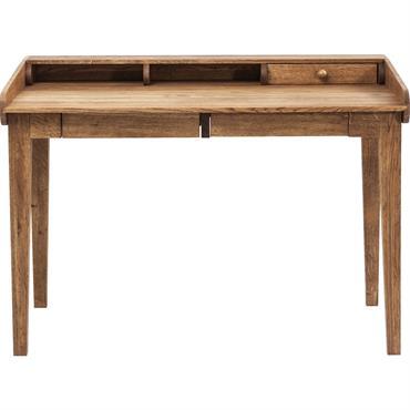 Ce bureau en bois de chêne vous présente un design classique et intemporel avec ses angles épurés et son matériau naturel. Ses deux tiroirs situés sous le plateau vous permettent ...