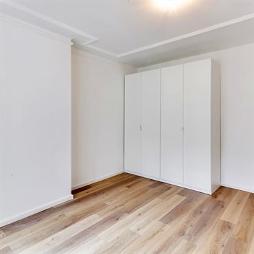 L'objectif des travaux dans cet appartement parisien de 42m² : tout refaire, pour transformer un lieu délabré en habitation agréable ... Domozoom