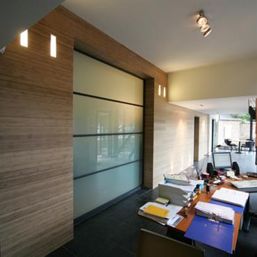 Transformation et aménagement de bureau pour la SHER  Domozoom