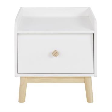 Pour compléter le coin sommeil de votre enfant, vous pourrez compter sur la table de chevet 1 tiroir blanc CÔME. Avec son design d'inspiration scandinave, ce petit meuble pourra être ...