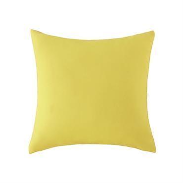 Invitez le soleil en terrasse avec ce coussin d'extérieur jaune ! Ce coussin jaune égaiera votre canapé ou votre fauteuil tout en lui apportant du confort supplémentaire. Le détail déco ...